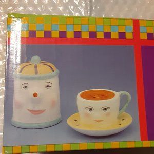 Pot and Cup Salt and Pepper Shakers Collectible